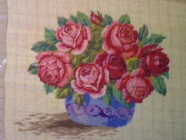 Goblen - Vas cu trandafiri